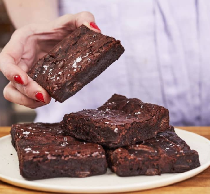 Vegan Brownie  |  £16