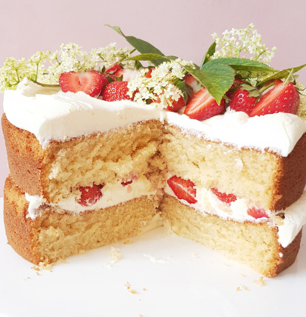 Mini Pillow Soft Vanilla Sponge Cake with Fresh Berries  |  £35