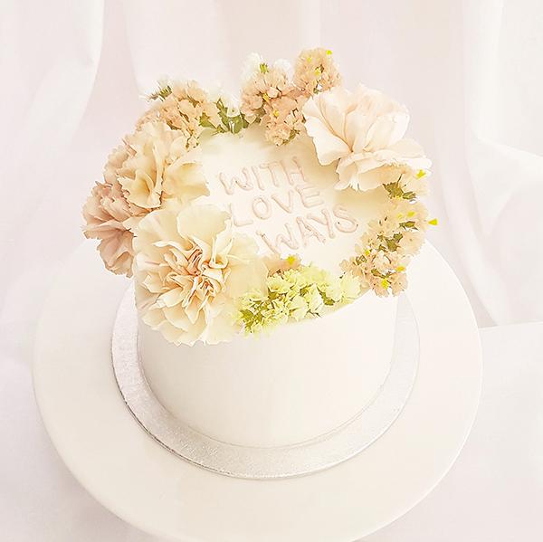 Celebration Cake with Fresh Flowers      |  £60