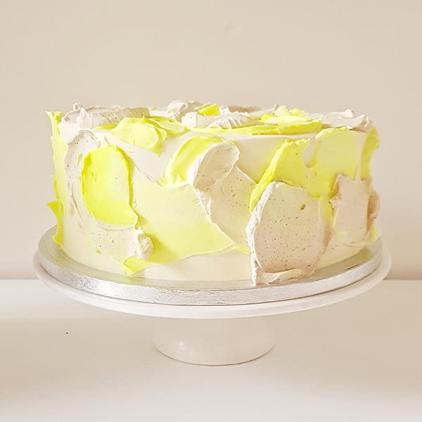 Paint palette cake | £65