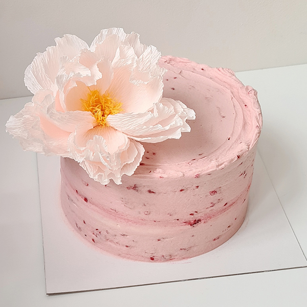 Semi Naked Berry Cake with Peony | £35