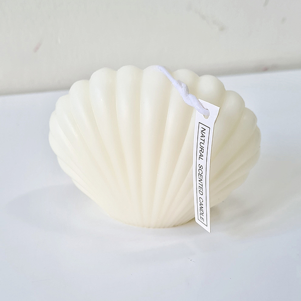 Shell candle | £15