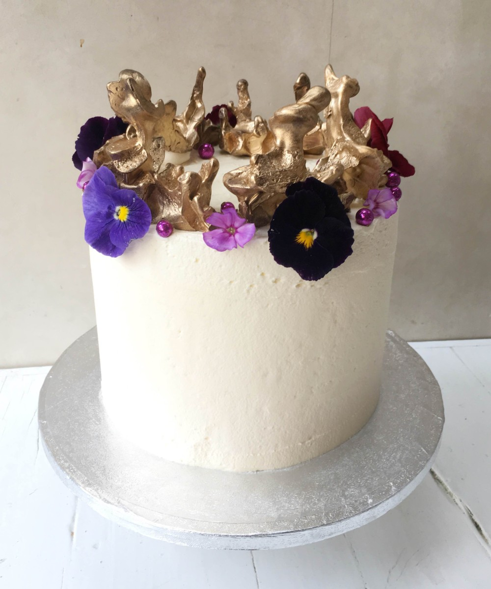 Cake For The Queens 90th Birthday With A Recipe Lily Vanilli