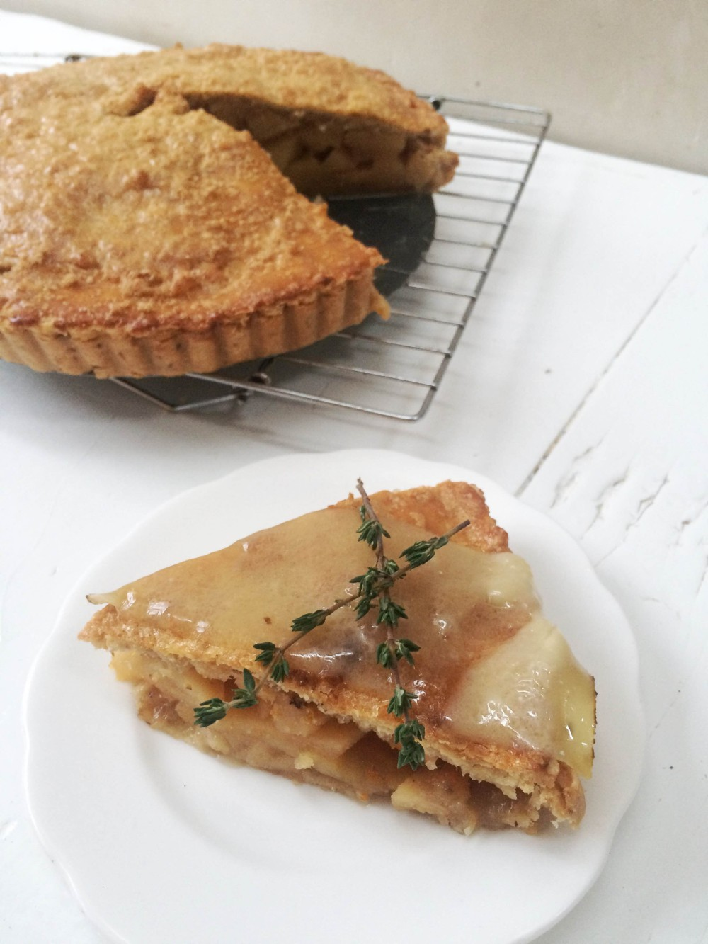 Quince apple pie