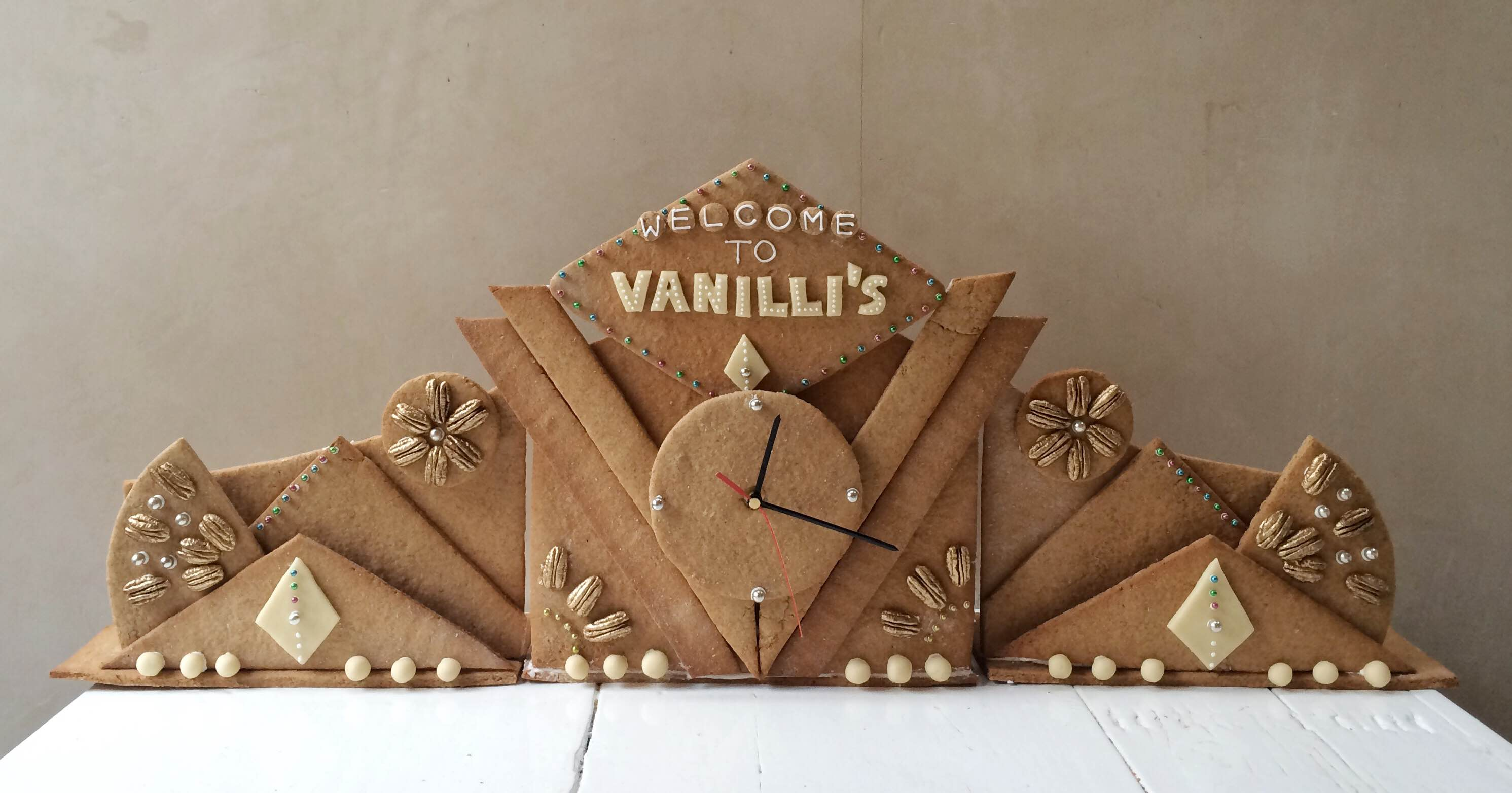 Working Art Deco Gingerbread Clock for the Bakery