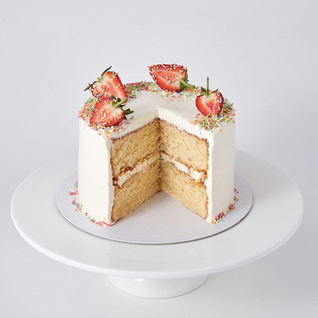 Mini Vanilla Sponge with Strawberries and Sprinkles   Lily Vanilli