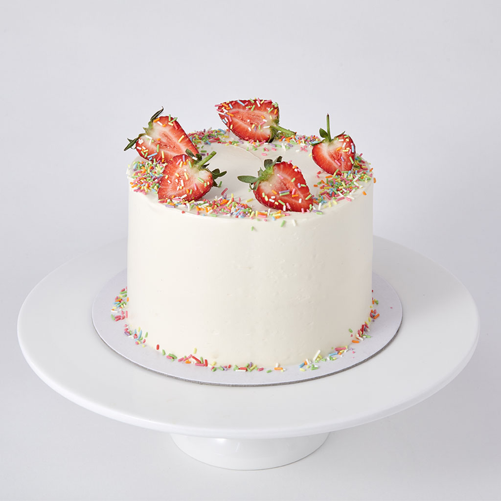Mini Vanilla Sponge with Strawberries and Sprinkles