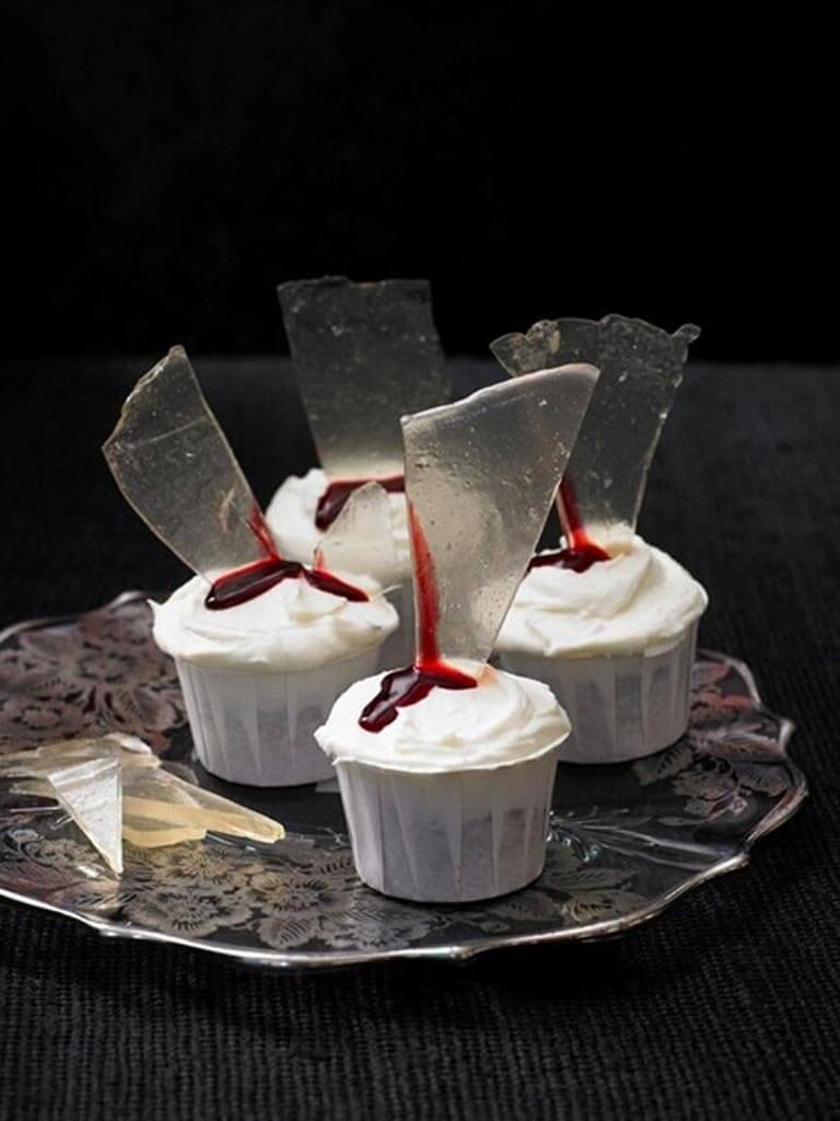 Halloween-baking:-glass-shards-sugar